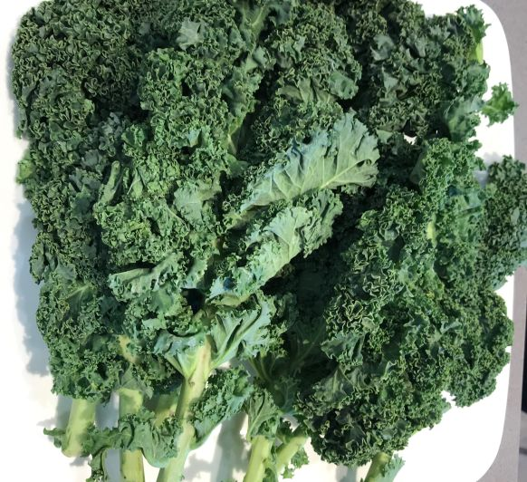 Kale, Broccolini (Bimi) y Arandanos con Almendras