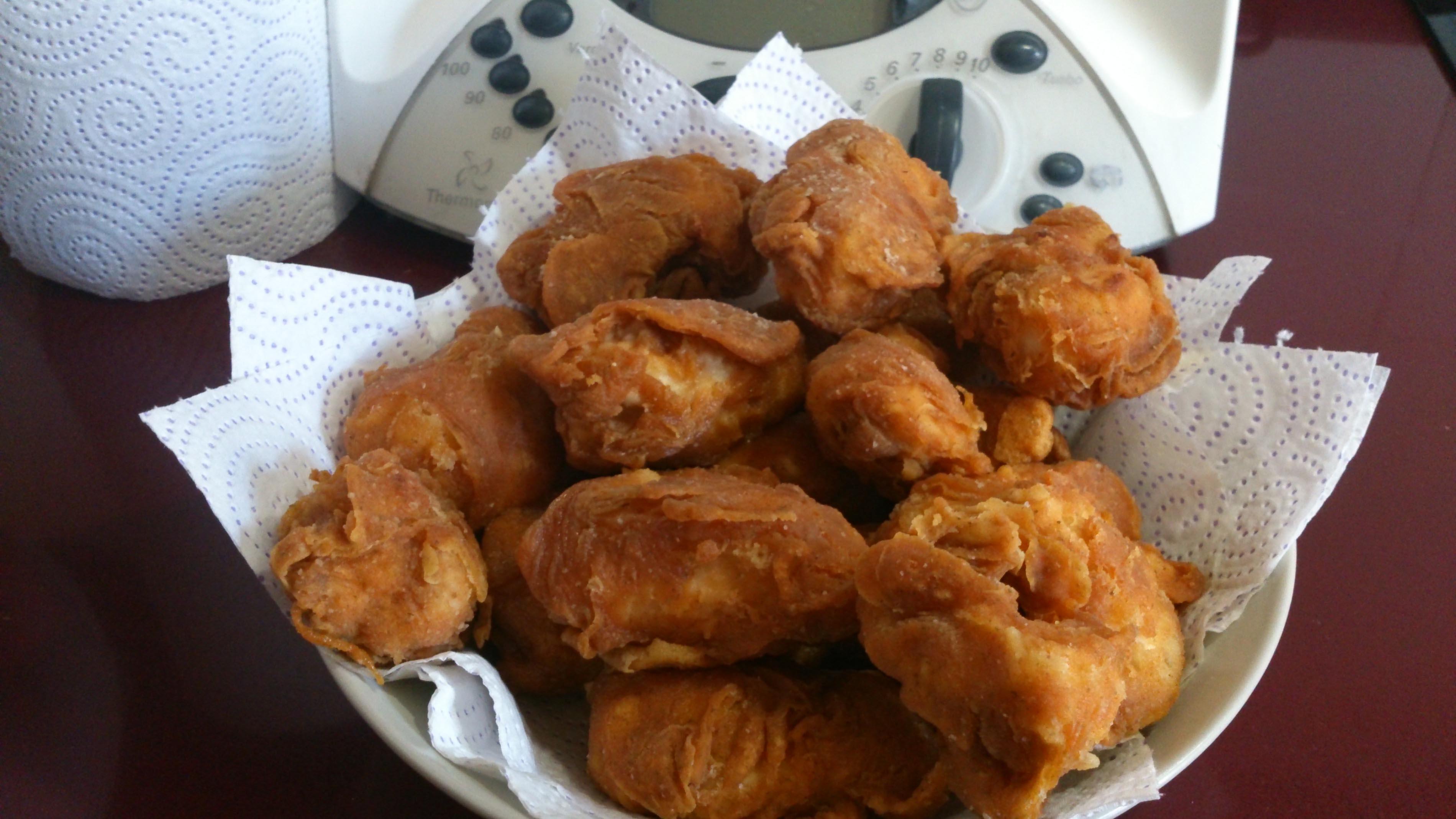 Pollo frito estilo KFC (Kentucky fried chicken)
