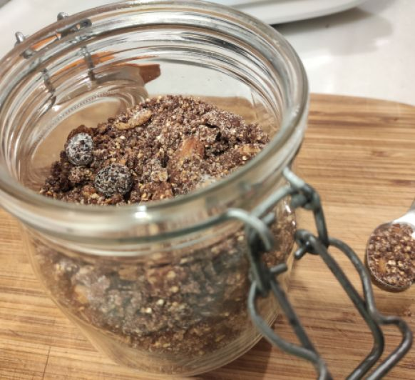 Granola de quinoa y frutos secos (sin azúcar)