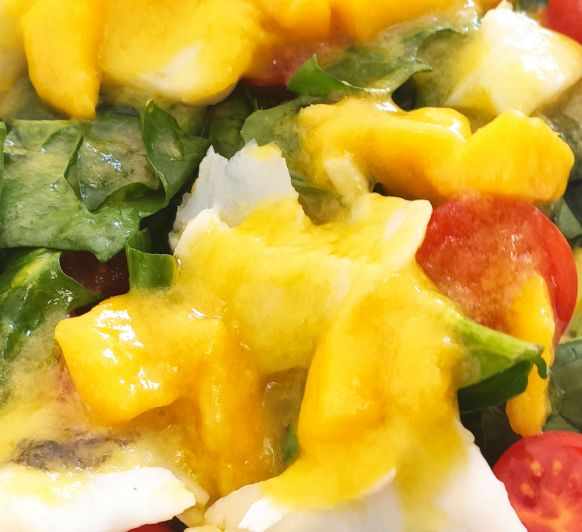 Ensalada de bacalao y vinagreta de mango