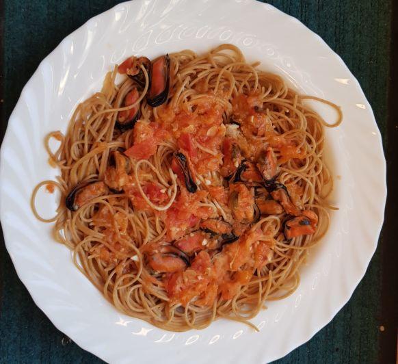Espaguetis integrales con mejillones